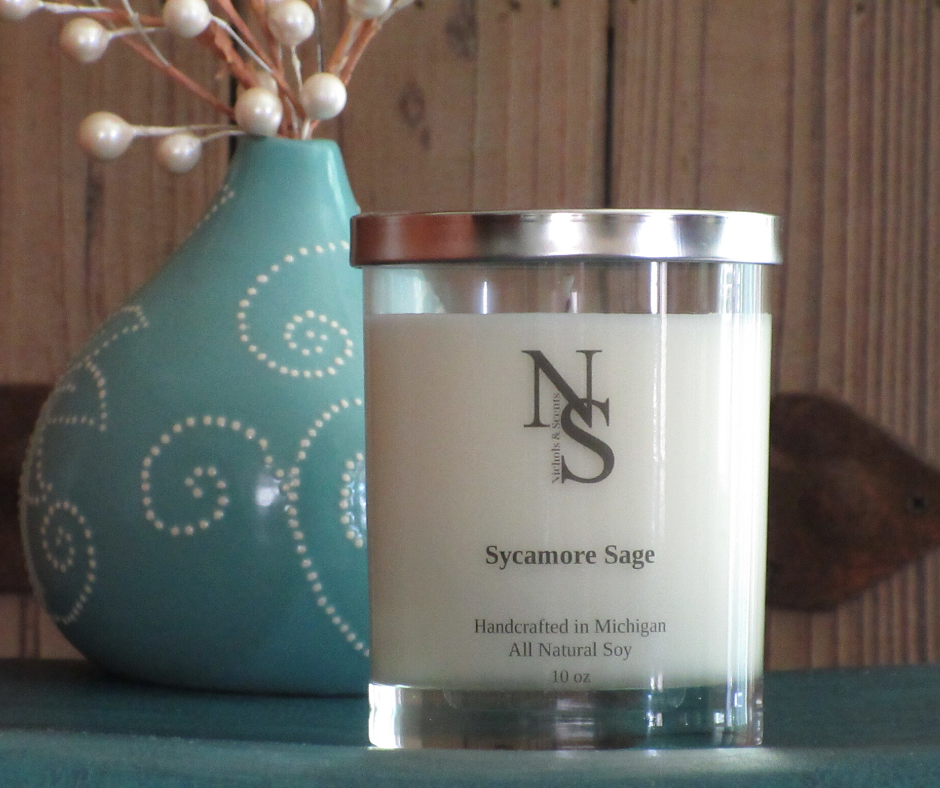"""Sycamore bark and sage leaves are given a """"sparkle"""" with a top note of marine, in this beautifully clear, earthy and woody fragrance with just a hint of musk and a splash of floral. Top:  Bergamot, Marine, Sage Leaves Middle:  Rose, Violet, Cedarwood, Sandalwood Dry:  Amber, Patchouli, Musk, Sycamore Bark"""